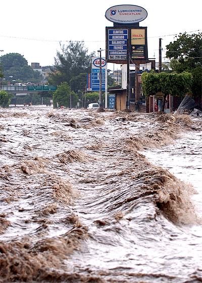 Inundaciones en San Salvador